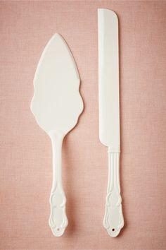 "Loveliest Cake Set $48.00 Hewn from simple stoneware, this set's elegance will hold its own next to the most elaborate of cakes—or dress up rustic pies. Cake knife: 13.5""L, 1.25""W Cake Server: 12""L, 3""W Stoneware Food safe Hand wash"