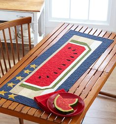 Star-Spangled Summer - Celebrate the season with a table runner that embraces the best of summer. Free Pattern from All People Quilt Table Runner And Placemats, Table Runner Pattern, Quilted Table Runners, Burlap Table Runners, Watermelon Quilt, Watermelon Patch, All People Quilt, Primitive Colors, Summer Quilts