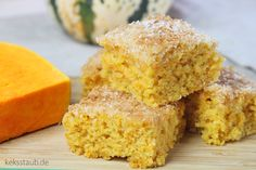 The most sappy pumpkin coconut cake, where there! Pumpkin coconut cake from the tray with Thermomix instructions - Sweet Pumpkin Recipes, Baked Pumpkin, Sweet Potato Recipes, Pudding Desserts, Dessert Recipes, 3 Ingredient Desserts, Pumpkin Pudding, Fall Soup Recipes, Sweet Bakery