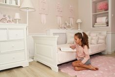Beautiful bed with dimensions 200 x 90 cm in white, finished with high cornices and decorative pedestals. Indispensable piece of furniture in every child room from Caramella. How To Fold Towels, Little Girl Rooms, Kidsroom, Baby Room, Child Room, Home Decor Inspiration, Girls Bedroom, Bassinet, Toddler Bed