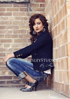 Miss Miller » Paisley Studios {the Blog} Loveeeeee this outfit for a senior shoot!