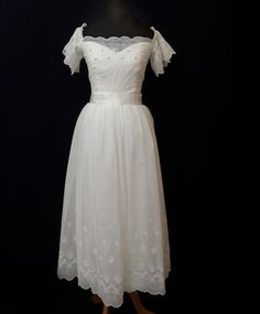 sweetly simple wedding dress