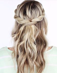 Loose and flowing hair for parties