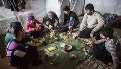 Miles de migrantes kurdos sobreviven a la intemperie a la espera de cruzar el canal de la Mancha y alcanzar Inglaterra