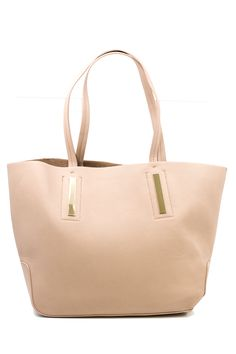 I love the soft color and gold accents on this bag
