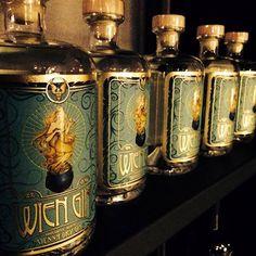haben sie wien schon bei nacht gesehen... Whiskey Bottle, Drinks, Night, Drinking, Beverages, Drink, Beverage