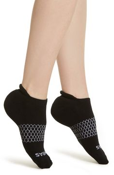 Arch-hugging support brings stay-put comfort to these stretchy, sporty socks with a smart blister tab providing additional protection. Style Name:Bombas Solid Ankle Socks. Style Number: Available in stores. Barre Socks, Grip Socks, Short Socks, Womens Workout Outfits, Ankle Socks, Outdoor Outfit, Fit Women, Active Wear, Summer Outfits
