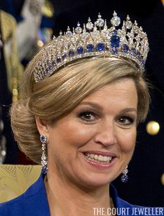 Queen Maxima of the Netherlands wears the Dutch Sapphire Parure Tiara at the inauguration of her husband, King Willem-Alexander, 30 April 2013 Royal Tiaras, Tiaras And Crowns, Dress Up Boxes, Dutch Royalty, Royal Jewelry, Queen Maxima, Crown Jewels, Sapphire, Hair Beauty