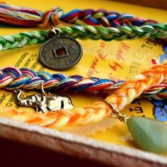 You can never have too many handmade bracelets right? Here's a bunch of tutorials to keep you busy!