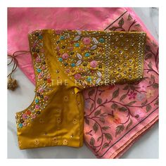 Netted Blouse Designs, Cotton Saree Blouse Designs, Half Saree Designs, Simple Blouse Designs, Stylish Blouse Design, Blouse Neck Designs, Mirror Work Blouse Design, Hand Work Design, Designer Blouse Patterns