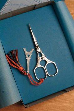 Maison de Sajou Eiffel Tower scissors