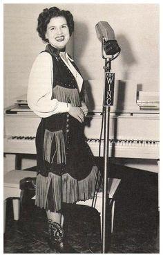 Patsy Cline  http://youtu.be/2OVtpnpCOKM