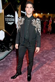 Darren Criss attends the Fashion Trust Arabia Prize awards ceremony on March 2019 in Doha, Qatar. Handsome Actors, Handsome Boys, Beautiful Men, Beautiful People, Darren Criss Glee, High Fashion, Fashion Show, Cheer Workouts, Medieval Clothing