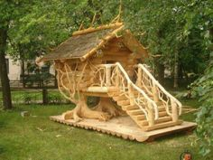 Custom Made Tree House WOW !!