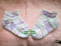 ~ NEU ~ handgestrickte Babysocken ~ Sneaker ~ Gr. 20 / 22 cm ~ (0022)