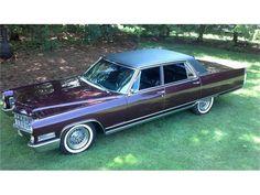 1966 Cadillac Fleetwood Brougham Saloon #cadillacclassiccars