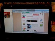 A fly takes over control of the touchscreen - instead of the mouse @DeNweBoekhandel