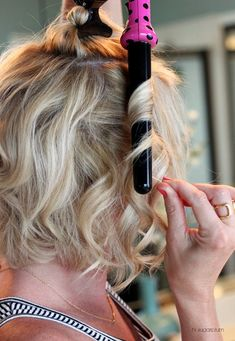 hair hair hacks How to Curl Your Hair & Make I Pretty Hairstyles, Easy Hairstyles, Wedding Hairstyles, Curling Iron Hairstyles, Hairstyles Videos, Curling A Bob Haircut, Curled Bob Hairstyle, Curled Hairstyles For Medium Hair, Fringe Hairstyle