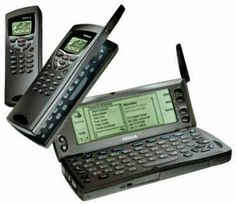Blast from the past! Do you remember the Nokia Communicator 9110 from 1996? I want one of these!!!