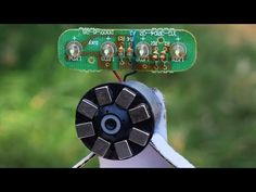 Free Energy Light Bulbs Small Generator using Magnet Motor - YouTube