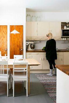 kuva Home Interior, Interior Styling, Interior Design, Old Kitchen, Kitchen Decor, Kitchen Ideas, 50s Style Kitchens, Living Etc, Retro Home