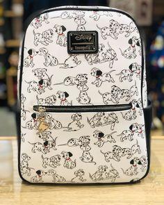 Popular Handbags, Cheap Handbags, Purses And Handbags, Luxury Handbags, Cute Disney Outfits, Disney Themed Outfits, Disney Handbags, Disney Purse, Disney Dooney