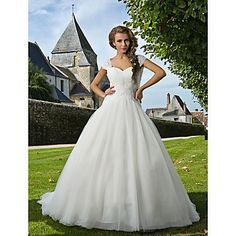 THIS will be my wedding dress for sure! ;) Ball Gown Sweetheart Chapel Train Tulle Wedding Dress – USD $ 543.99