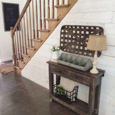 Farmhouse entryway decor ideas (21)