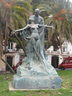 Estátua na Rua do Alecrim | Lisboa