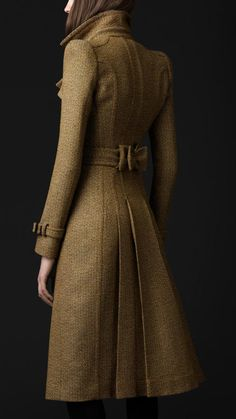 Burberry - Tailored Wool Trench Coat- I love Burberry. This coat is gorgeous! Look Fashion, High Fashion, Winter Fashion, Womens Fashion, Fashion Coat, Modern Fashion, Fashion Outfits, Fashion Tips, Mode Style