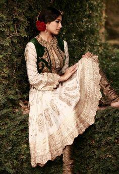 Beautiful folk costume!!!