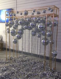 9 ideas for party ideas diy decorations new years event 3 « Kitchen Design Diy Decorations New Years, Disco Party Decorations, Balloon Decorations, Wedding Decorations, Disco Theme Parties, Nye Party, Party Time, Disco Ball, Backdrops For Parties