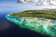 Wakatobi has 750 of the 850 species of coral, corals and diverse marine life that is hard to find in other areas. Wakatobi itself is short for the name of the four major islands of Sulawesi,