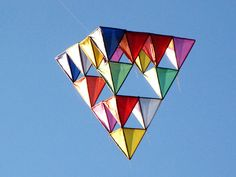 How to build a tetrahedral kite don't put it off, click right now how to build a tetrahedral kite Kite Building, Kite Designs, Diy And Crafts, Arts And Crafts, Unity In Diversity, Kite Flying, Origami, Banner, Creative