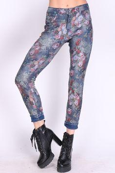 Harem Pants, Fashion, Moda, Fashion Styles, Harlem Pants, Fashion Illustrations, Harem Trousers