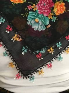 This Pin was discovered by Sar Turkish Fashion, Needle Lace, Irish Lace, Lace Making, Quilling, Embroidery Stitches, Decoration, Cross Stitch Patterns, Memorial Day