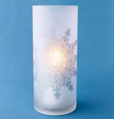 I think this creates such a cozy and warm soft look! Frosted cylinder and pillar candle (both Jamali Garden) Snowflake decal from Art-A-Peel. Winter Wonderland Theme, Winter Theme, Winter Parties, Winter Wedding Decorations, Wedding Wishes, Wedding Things, Sister Wedding, Christmas Wedding, Beach Christmas
