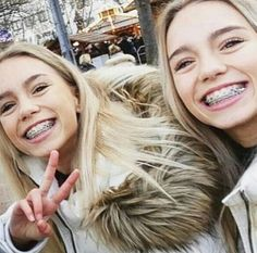 Even when it's cold out outside Lisa and Lena always smile!!  #KeepSmiling