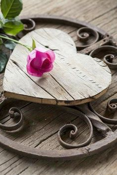 Ana Rosa= heart with a rose~~~ I Love Heart, Key To My Heart, With All My Heart, Happy Heart, Heart Art, Your Heart, Rosa Rose, Love Symbols, Wooden Hearts