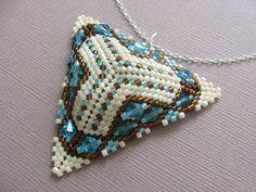KIKI GYÖNGYEI: Peyote háromszög bronz és türkiz - triangle in bronz and turquoise