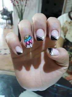 You don't need to choose the same nail art patterns over and over again. Fabulous Nails, Nail Trends, Manicure And Pedicure, Nail Tips, Pattern Art, All The Colors, Acrylic Nails, Nail Art Designs, Hair Beauty