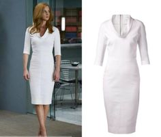 """Donna Paulsen (Sarah Rafferty) wears this White cowl neck fitted dress in this episode of Suits, """"Faith"""". It is the Victoria Beckham high neck fitted dress. Buy it HERE Nottingham, Donna Suits, Robes D'inspiration Vintage, Bleu Pale, Suits Season, Mode Costume, Long Sleeve Short Dress, Suit Fashion, 20s Fashion"""