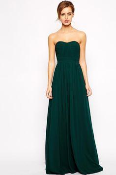 Robe vert sapin Jarlo : 20 tenues élégantes pour un mariage en hiver - Journal des Femmes