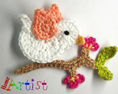 Gehäkelte Applikation Vogel Listing is for a set of a crochet embellishments, mix of colours. Crochet Butterfly, Crochet Birds, Love Crochet, Crochet Crafts, Easy Crochet, Crochet Flowers, Crochet Toys, Crochet Projects, Crochet Applique Patterns Free