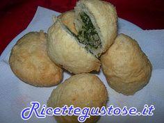 Krapfen salati cicoria e salsiccia - http://www.ricettegustose.it/Antipasti_vari_html/Krapfen_salati_cicoria_e_salsiccia.html