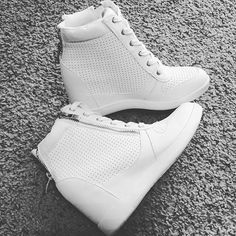 """""""These are just too cute and the wedge is the perfect height"""" - @kristi.kellum We love the Bellen sneakers, too!"""