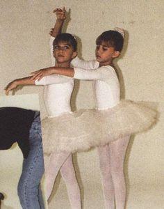 Mary Kate Ashley, Mary Kate Olsen, Elizabeth Olsen, Michelle T, Olsen Fashion, Twin Photos, 90s Girl, Olsen Twins, Ashley Olsen