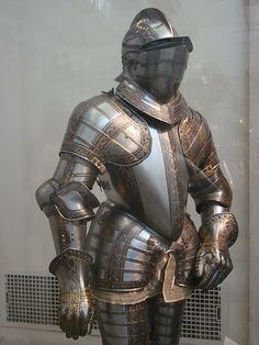 """""""A full suit of armor in the early Middle Ages could easily weight between 45 and 80 pounds. Medieval Weapons, Medieval Knight, Medieval Fantasy, Armadura Medieval, Arm Armor, Body Armor, Renaissance, Good Knight, Ancient Armor"""