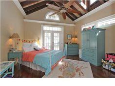 great ceiling in master bedroom