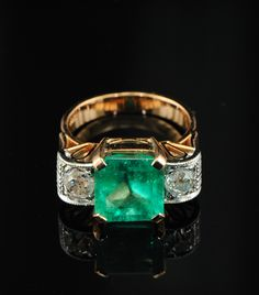 Deco Columbian Emerald ring #stunning #jewel https://www.facebook.com/dazzlemedeals